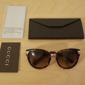 New! Gucci Brown amd Gold Tortoise Sunglasses